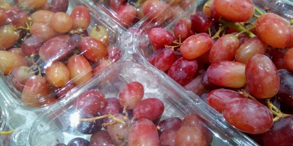 American Pre Packed Red Seedless Grapes (10 x 500g)